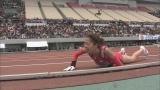 2008年開催の大阪国際女子マラソン大会でゴール直前に転倒する福士加代子選手(C)関西テレビ