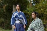 主人公・信繁役を熱演する堺雅人(左)と、父であり真田家の主・昌幸役の草刈正雄(右)  (C)NHK