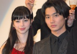 映画『ライチ☆光クラブ』の舞台あいさつに登壇した(左から)中条あやみ、野村周平 (C)ORICON NewS inc.