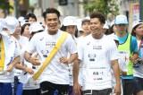 弟・LIKIYAと共に笑顔で走る三代目JSB・ELLY