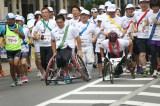 『未来への道 1000km縦断リレー2015』(左から)藤本怜央氏、野澤英二氏