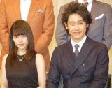 (左から)有村架純、大泉洋=『第58回ブルーリボン賞』授賞式 (C)ORICON NewS inc.