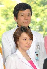 ドラマ『Doctor-X 外科医・大門未知子』制作発表記者会見に出席した(前から)米倉涼子、勝村政信 (C)ORICON NewS inc.