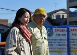 安智理沙子(原田夏希)はピンク、桜庭勇作(木下隆行)は黄がテーマカラー(C)テレビ東京
