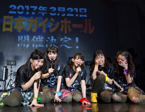 来年3月21日に念願の地元・名古屋の日本ガイシホール公演が決まった(写真左から坂本遥奈、咲良菜緒、秋本帆華、伊藤千由李、大黒柚姫)
