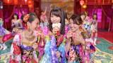 """AKB48の10周年記念シングル「君はメロディー」センターの宮脇咲良を挟む""""あつゆう""""コンビ"""