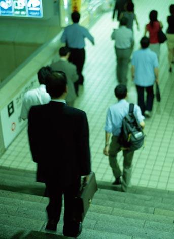 今年も哀愁漂う力作がズラリ 恒例の『サラリーマン川柳』100選発表!
