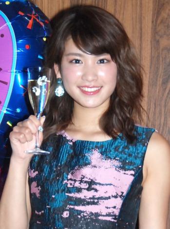 20歳のバースデーイベントで、ファン218人と乾杯をした久松郁実=『20歳 バースデーイベント』 (C)ORICON NewS inc.