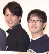 映画『珍遊記』の完成披露舞台あいさつに出席した(左から)溝端淳平、鈴木拓 (C)ORICON NewS inc.