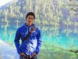 中国にある世界遺産・九寨溝で鏡のような湖「鏡海」の絶景に感動する速水もこみち