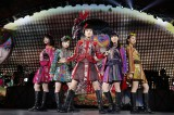 全国ドームツアーをスタートさせたももいろクローバーZ(20日=ナゴヤドーム)Photo by HAJIME KAMIIISAKA