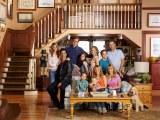 Netflixオリジナルドラマ『フラーハウス』2月26日より全13話一挙配信。新しい家族も増えてリビングはますます満員(フルハウス)(C)Netflix. All Rights Reserved.