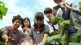 「ふくしま食べる通信」制作のため福島県・天栄村で取材する高校生たち。3月1日放送『ガイアの夜明け』 (C)テレビ東京