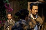 NHK大河ドラマ『真田丸』第8回「調略」より。信尹、信繁は、春日信達(前川泰之)に海津城を取り戻せと呼びかけるが…(C)NHK