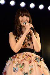 高橋みなみプロデュース第8弾『愛しのにゃんにゃんお誕生日おめでとう公演』主役の小嶋陽菜(C)AKS