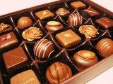 ホワイトデーの義理のお返し、女心を掴むには「チョコレート」を選べば間違いなし!?
