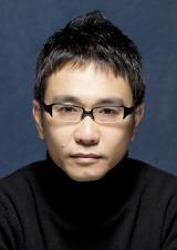 フジテレビ新ドラマ『早子先生、結婚するって本当ですか?』に出演する八嶋智人