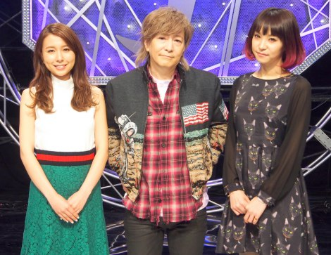 NHK音楽情報番組『J-MELO』の会見に出席した(左から)May J.、小室哲哉、LiSA (C)ORICON NewS inc.