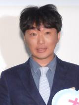 映画『アーロと少年』大ヒット記念イベントに出席したスピードワゴン・小沢一敬 (C)ORICON NewS inc.
