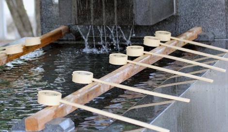 サムネイル 手水舎での作法は? 東京大神宮に聞いてみた!