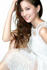 河北麻友子がテレビ朝日のビューティ専門番組『BeauTV〜VOCE』4代目MCに就任(C)テレビ朝日