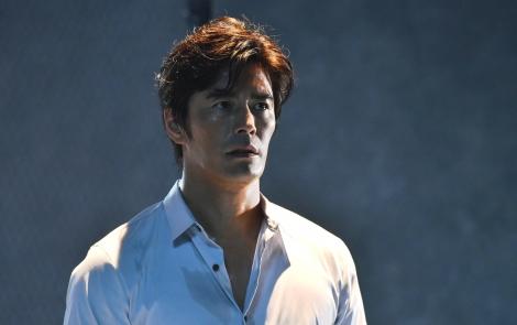 主人公・望月幸平を演じる伊藤英明=ドラマ『僕のヤバイ妻』