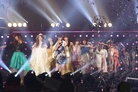 サムネイル 『TGC 2016SS』、グランドフィナーレの様子/撮影:片山よしお (C)oricon ME inc.