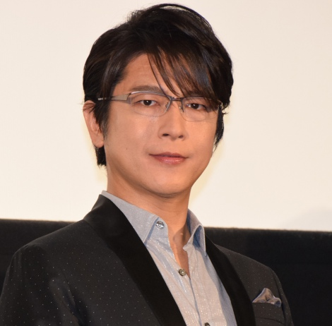 映画『僕だけがいない街』初日舞台あいさつを行った及川光博
