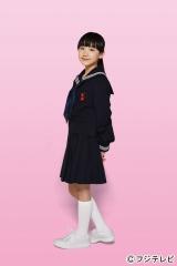 芦田愛菜が「ずっと憧れていた」というセーラー服姿を初披露