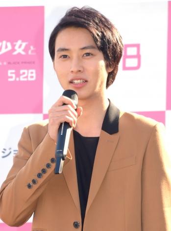 映画『オオカミ少女と黒王子』の点灯イベントに出席した山崎賢人 (C)ORICON NewS inc.
