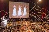 キャンディーズの解散コンサートが上映され、紙テープ投げも復活 (C)ORICON NewS inc.