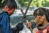 第2回より。追っ手の狩人たちとの戦いで危機一髪のバルサ(綾瀬はるか)をチャグム(小林颯)の不思議な能力が救う(C)NHK