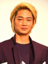 舞台あいさつに出席した綾野剛 (C)ORICON NewS inc.