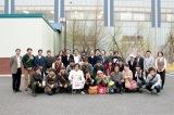 マッチファインダーが近畿日本ツーリストとコラボして年1回ペースで実施する東洋化成の工場見学ツアー「レコー道」の様子。これまでに、DJ JIN(Rhymester)、松岡'matzz'高廣、沖野修也、ピーター・バラカン親子がナビゲーターとして参加した