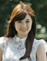 日本テレビ系朝の情報番組『Oha!4 NEWS LIVE』に出演する企画レポーターの奥村莉子 (C)日本テレビ