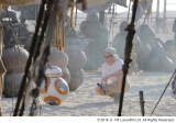 J.J.エイブラムス監督と、キュートな「BB-8」 (C)2016 & TM Lucusfilm Ltd. All Rights Reserved.