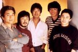 オフコースの「愛を止めないで」がフジテレビ系ドラマ『OUR HOUSE』の主題歌に(左から)小田和正、松尾一彦、清水仁、鈴木康博、大間ジロー