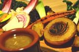 代官山にあるダイニング「SPRING VALLEY BREWERY TOKYO」1周年記念の新メニュー「季節野菜のバーニャカウダ」(税込1800円) (C)oricon ME inc.