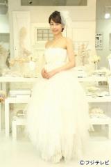 純白のウエディングドレス姿を披露した加藤綾子アナウンサー