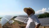 太陽光発電や風力発電に挑戦している造り酒屋の9代目当主・佐藤彌右衛門さん(C)NHK