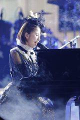 「MOON PRIDE」では玉井詩織がピアノ弾き語り Photo by HAJIME KAMIIISAKA+Z