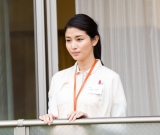 橋本マナミが介護士の役で映画初主演。『イヴの贈り物』7月2日公開