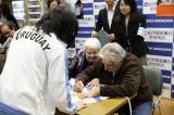 来日記念サイン会を開催したホセ・ムヒカ氏