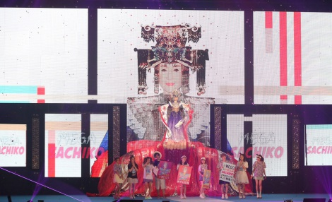 『GirlsAward 2016 SPRING/SUMMER』に登場した小林幸子(撮影:片山よしお) (C)oricon ME inc.