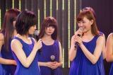 卒業発表とともに山本彩(左)に対する本音を吐露した渡辺美優紀 (C)NMB48
