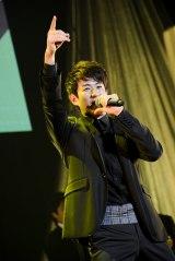 メジャーデビュー2周年を迎えた8人組男性音楽グループ・SOLIDEMOのメンバー・佐脇慧一