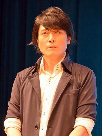 劇場版『遊☆戯☆王 THE DARK SIDE OF DIMENSIONS』(4月23日公開)完成披露舞台あいさつに登壇した高橋広樹 (C)ORICON NewS inc.