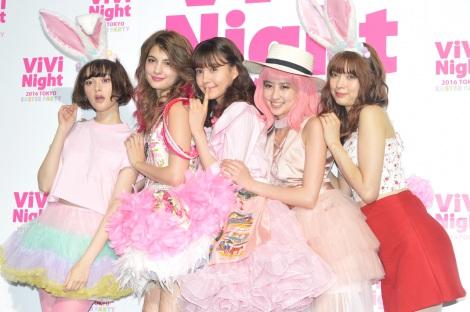 (左から)玉城ティナ、マギー、トリンドル玲奈、河北麻友子、八木アリサ=『ViVi Night 2016 TOKYO 〜EASTER PARTY〜』 囲み取材(C)ORICON NewS inc.