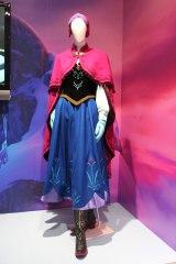 「アナと雪の女王」展示会のために作られたアナのコスチューム(C)DISNEY (C)ORICON NewS inc.