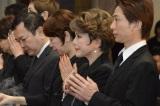 川島なお美さんの葬儀に参列したデヴィ夫人